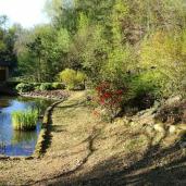 Moulin, façade avant et bassin